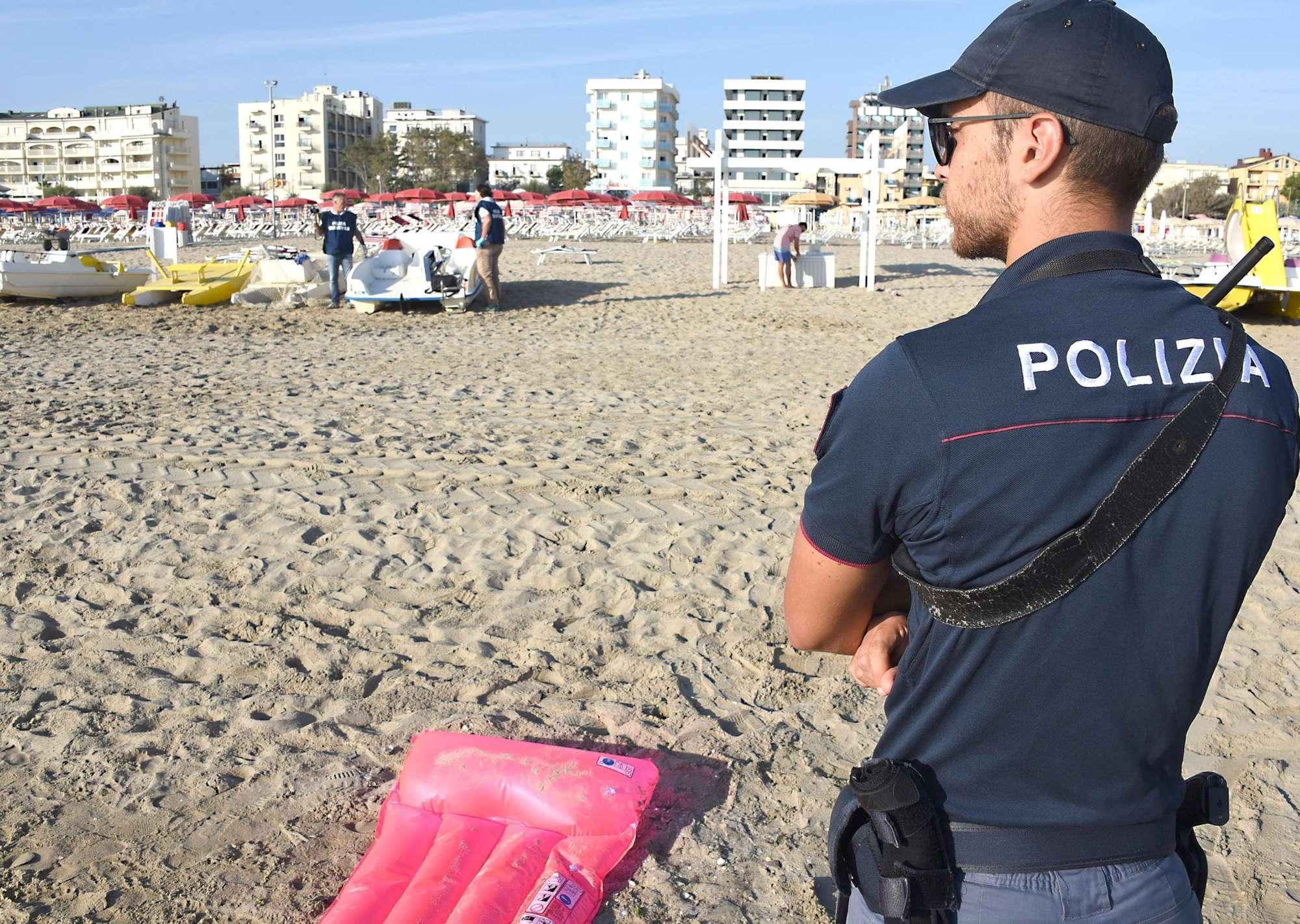 Rimini, caccia al branco di stupratori
