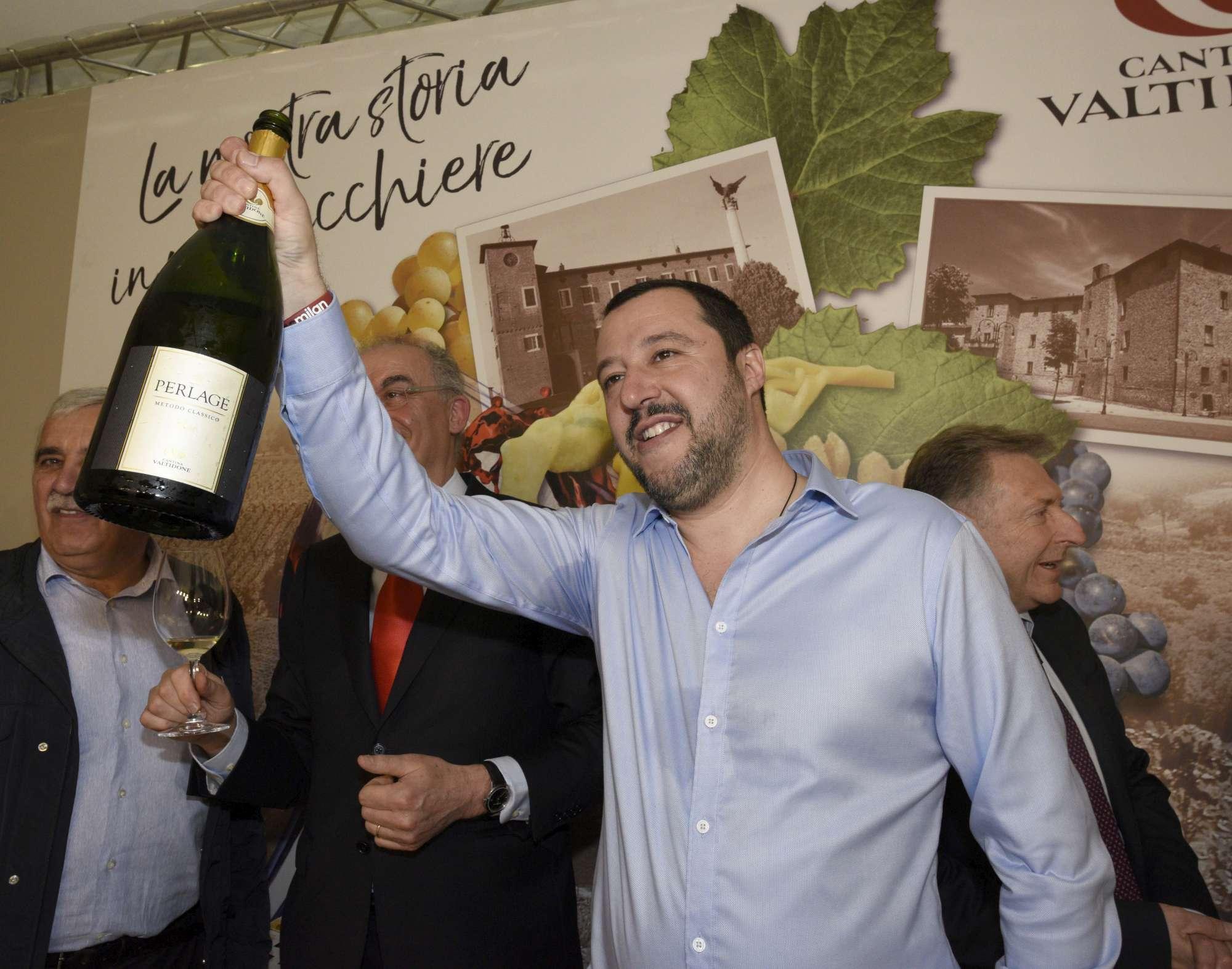 Salvini e Di Maio all inaugurazione del Vinitaly