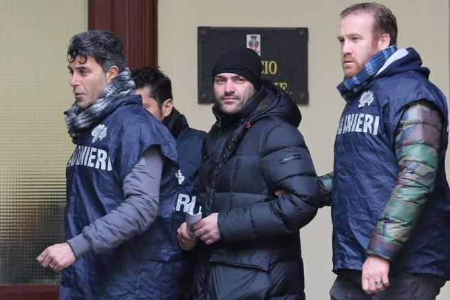 Camorra, catturato il boss del clan Giannelli mentre fuggiva in auto