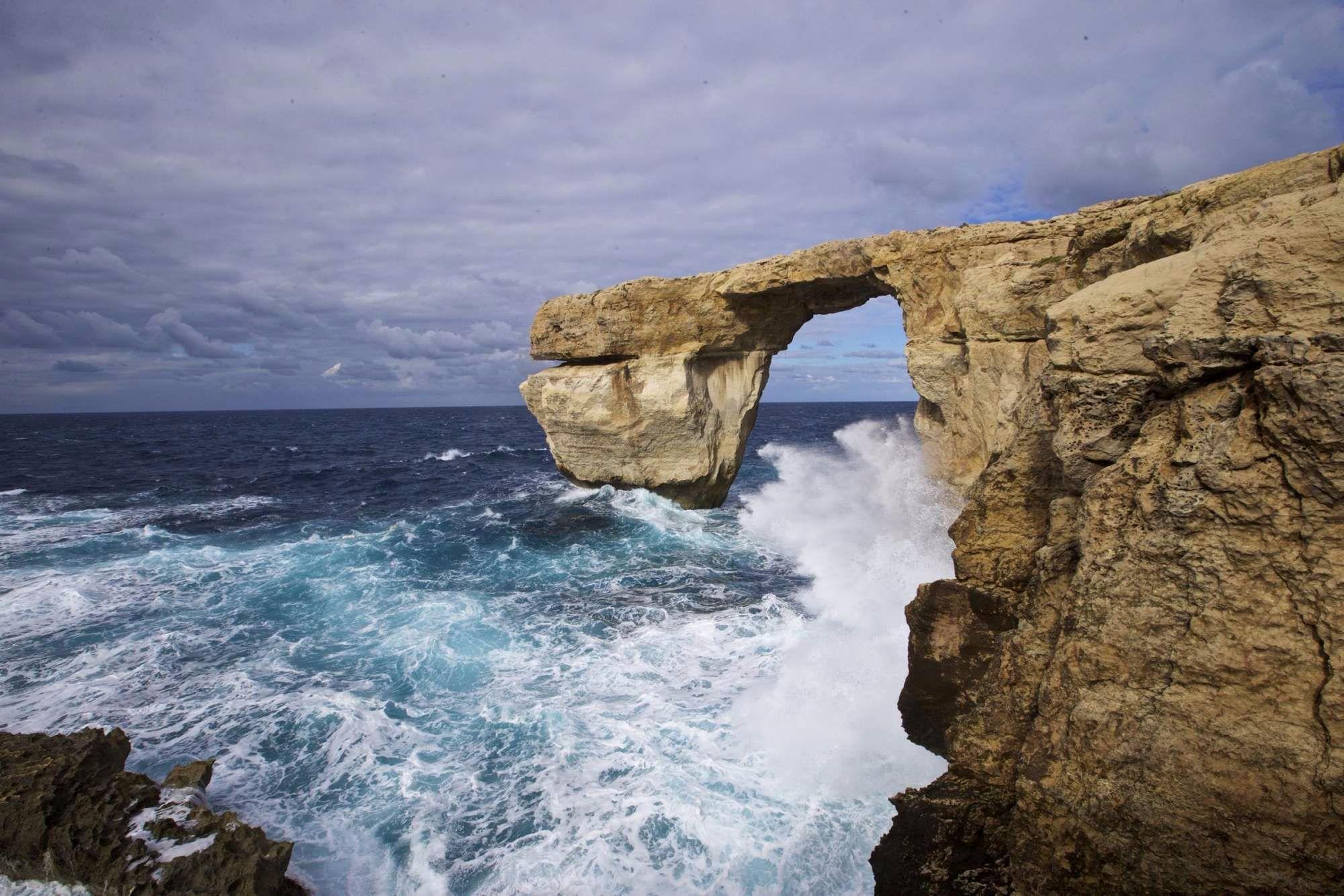 Crollata la Finestra Azzurra di Malta: colpa del maltempo