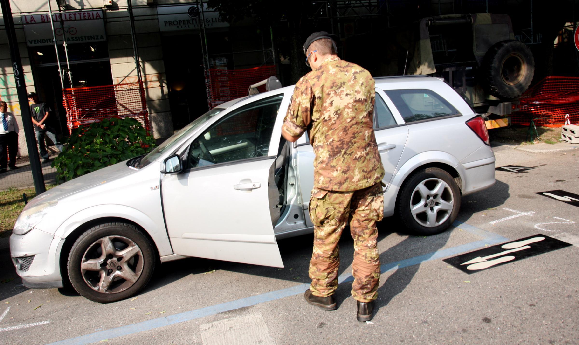 VIDEO Camionetta dell'esercito uccide anziano a Milano