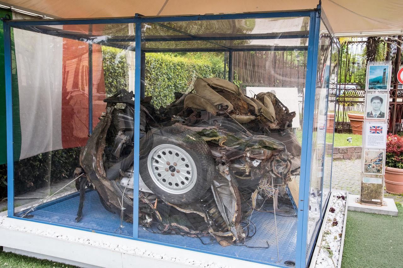 Strage di Capaci, l auto della scorta di Falcone arriva a Palermo