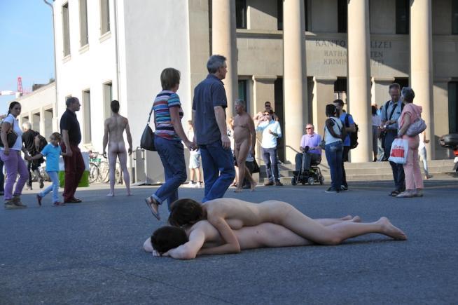 """""""Body freedom festival"""", ad agosto il nudo artistico si esibisce nelle strade svizzere"""