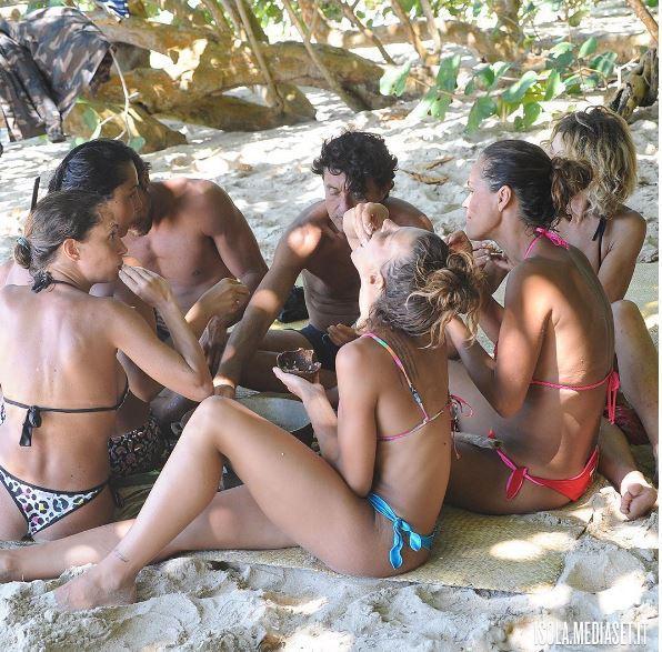 Isola dei famosi, le lumache dividono il gruppo