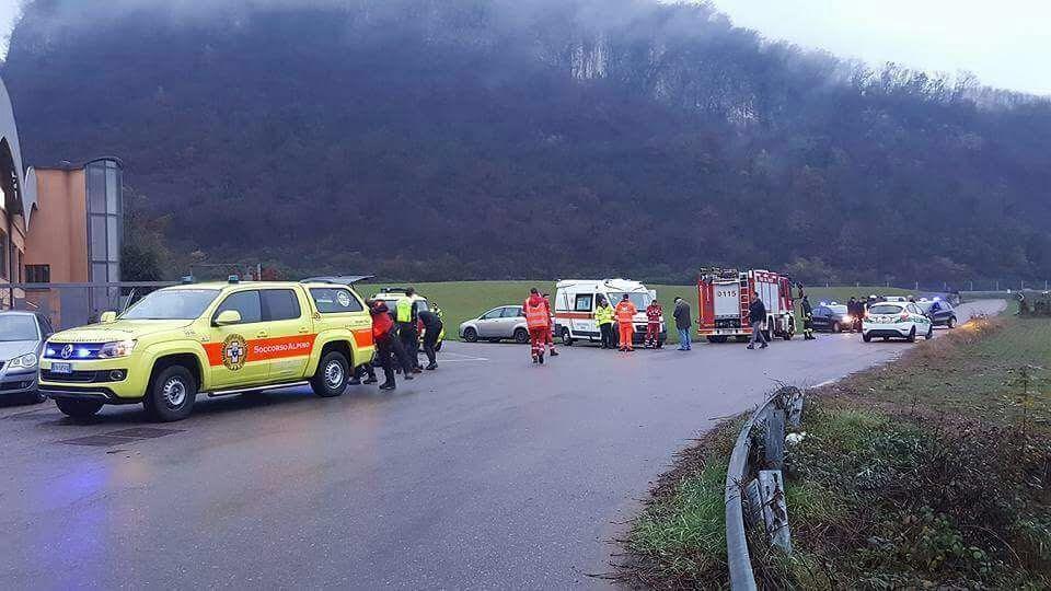 Elicottero Mediaset : Precipita elicottero nel varesotto un morto e due feriti