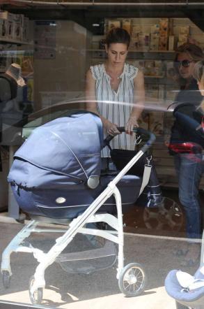 Francesca Versace, shopping con pancione