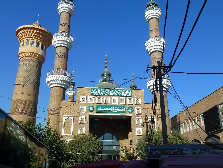Xinjiang: fra spettacoli naturali, grandiose rovine, deserti e laghi