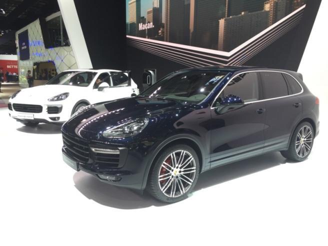 Porsche nuova Cayenne conquista Parigi
