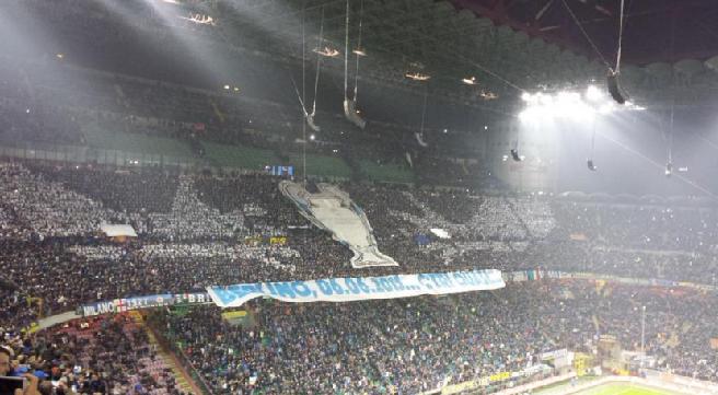 Inter-Juve, la Nord sfotte i bianconeri ricordando la finale di Berlino