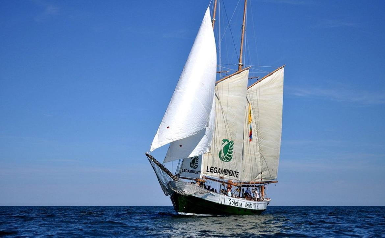 In difesa dei mari italiani l operazione Goletta Verde