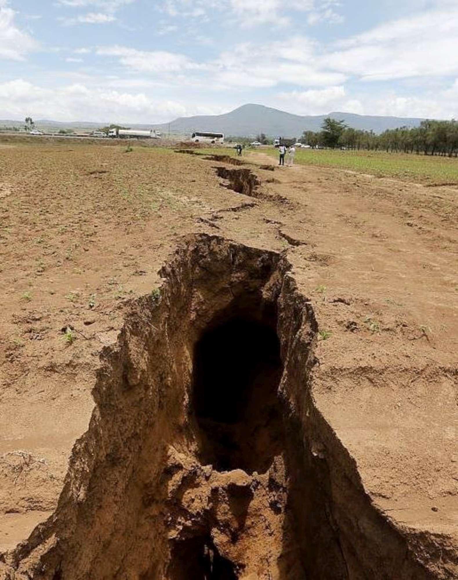 Kenya la terra si spacca e rischia di dividere l Africa in due