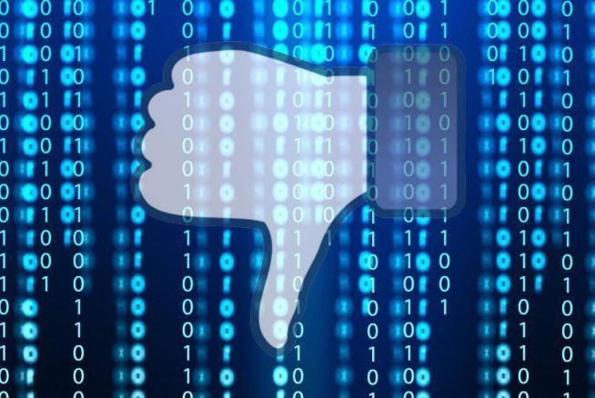 """Facebook pensa al tasto """"non mi piace"""": Zuckerberg parla del nuovo pollice verso"""