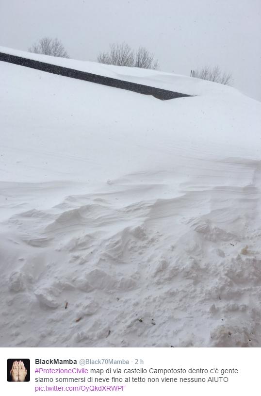Campotosto, drammatiche richieste di aiuto: case sommerse dalla neve