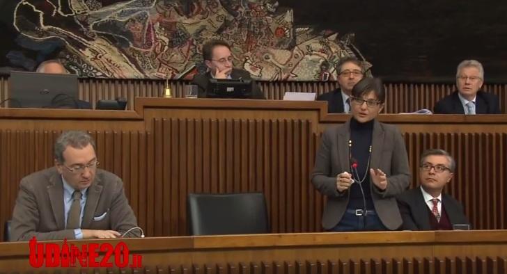 Fvg: Serracchiani parla di politica in Consiglio e si commuove