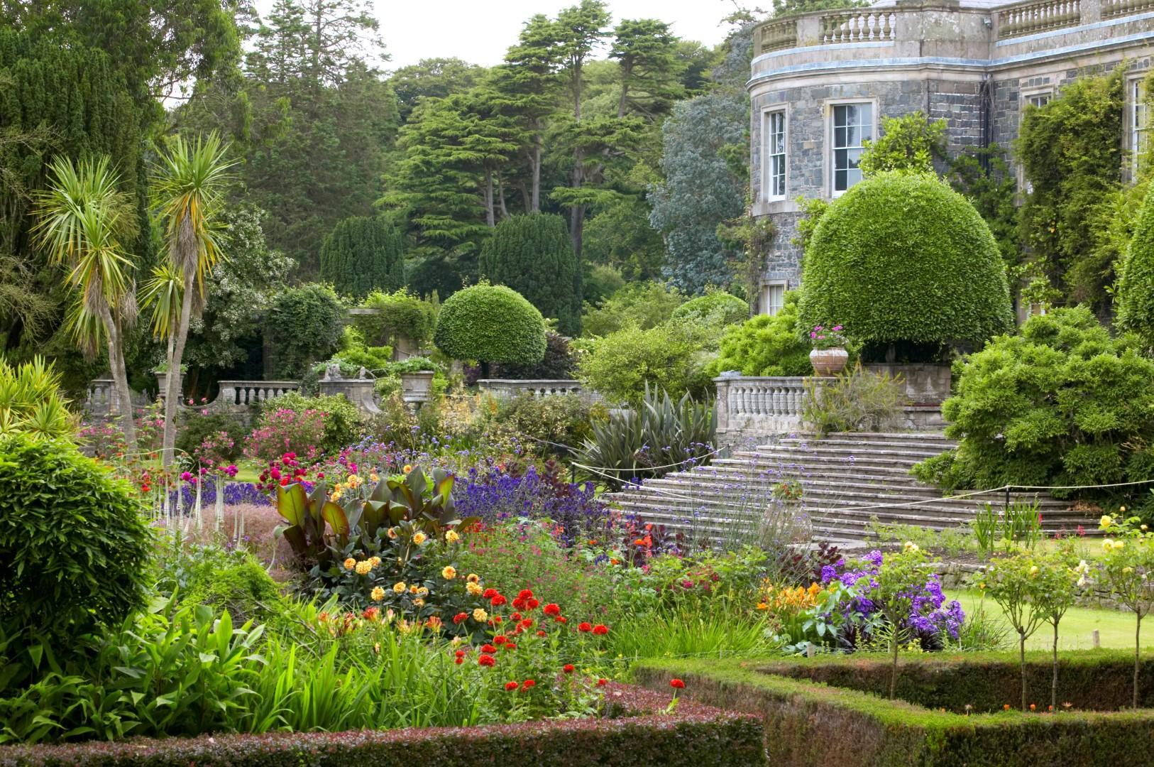 Giardino in inglese casamia idea di immagine for Decorazione giardini stile 700