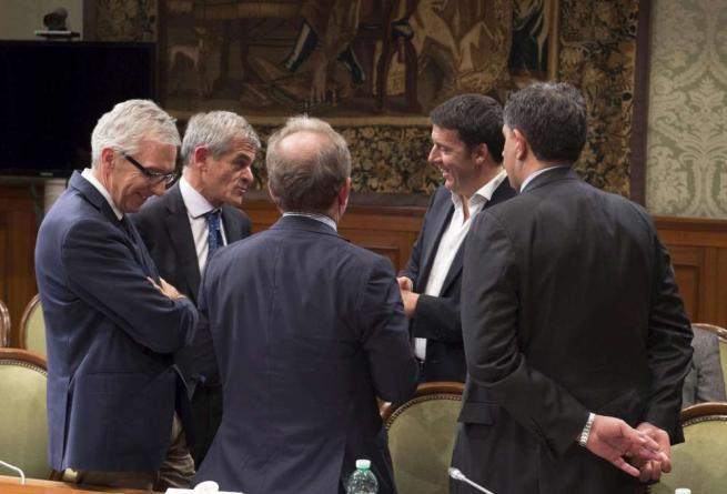 """Sanità, vertice con Regioni tra luci e ombre Renzi: """"Lavoriamo"""", Toti: """"Insoddisfacente"""""""
