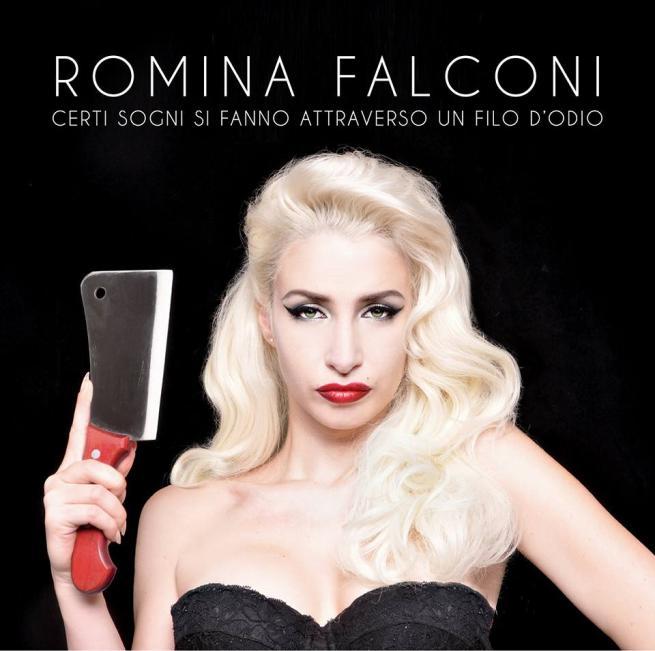 """Romina Falconi: """"Basta buonismi, sono una pin-up violenta"""""""
