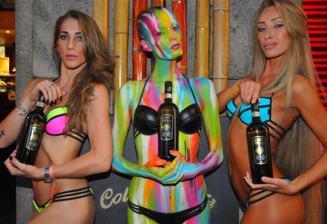 """I bikini più sexy """"accendono"""" Milano"""