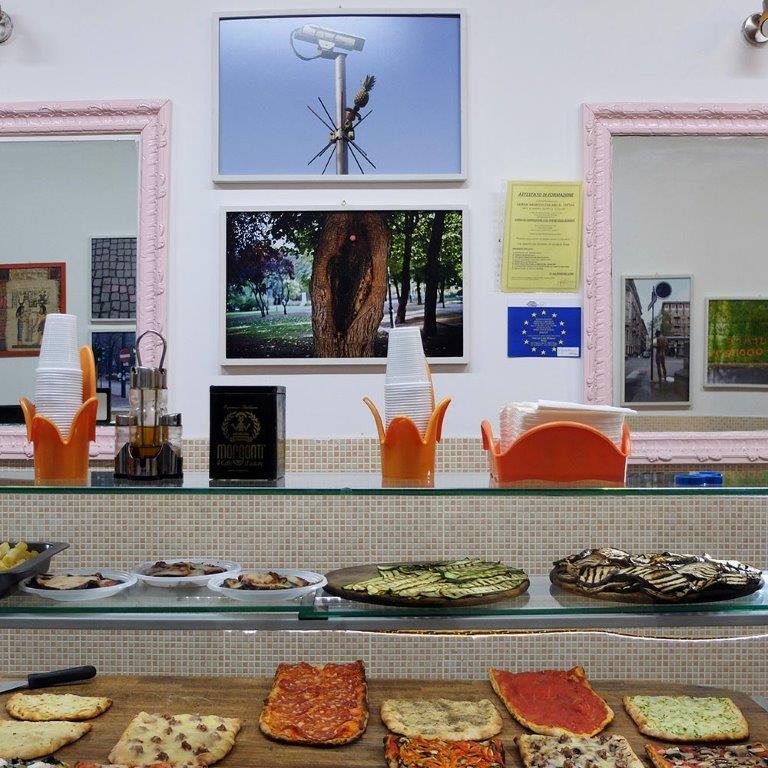 Se la galleria è una kebabberia: a Roma una mostra che sfida le convenzioni