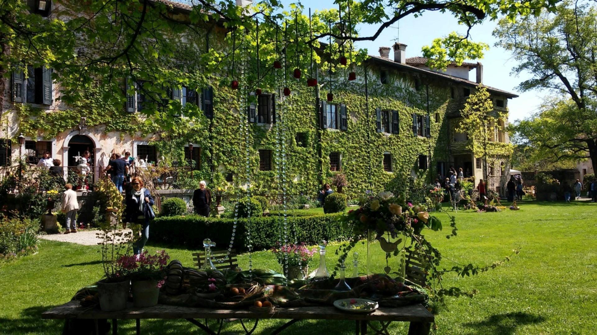 Fiori acque e castelli in friuli venezia giulia tgcom24 for Progettazione giardini friuli venezia giulia