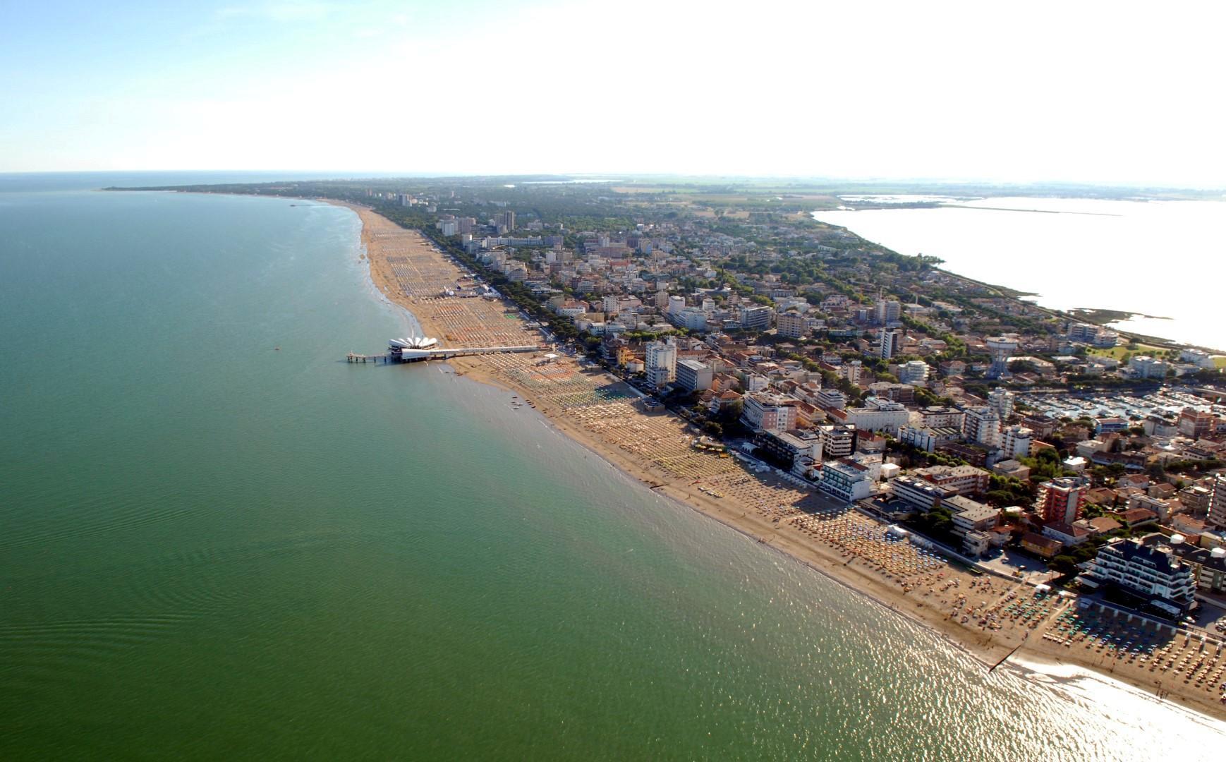 Lignano Una Vera Spiaggia Formato Famiglia Tgcom24