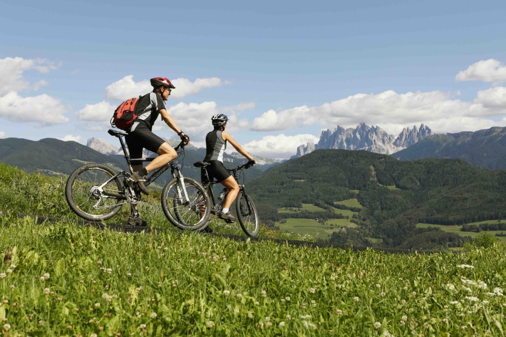 Alto adige in bicicletta tra masi e monti tgcom24 for Bicicletta per tre persone