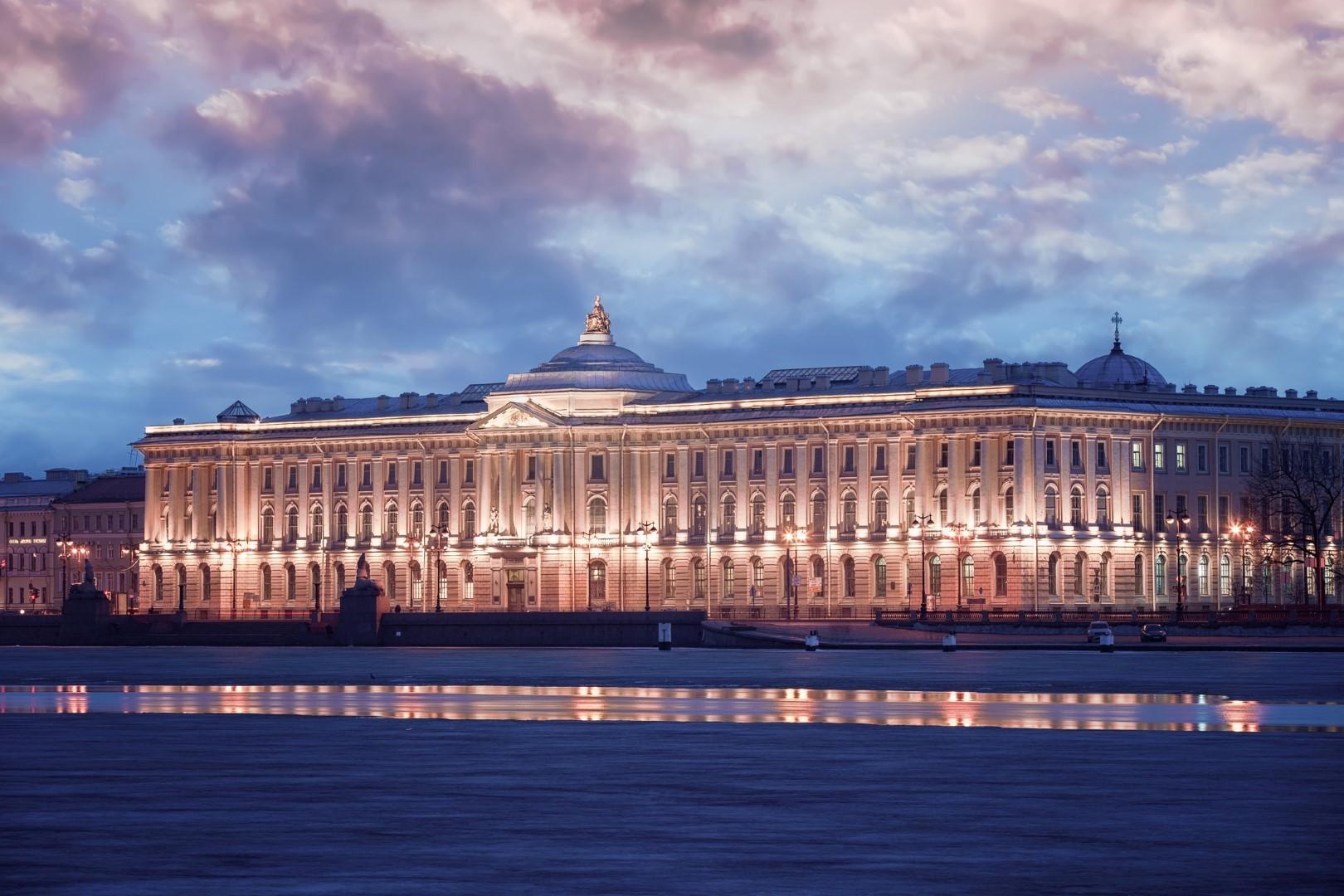 Scoprire San Pietroburgo tra una partita e l altra