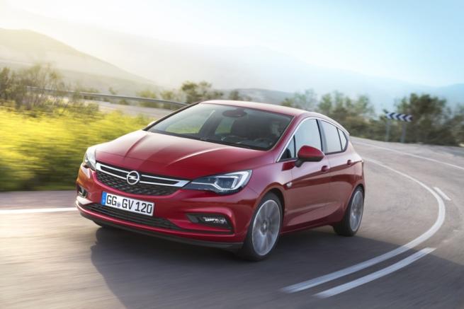 Su Opel Astra i fari IntelliLux LED a matrice