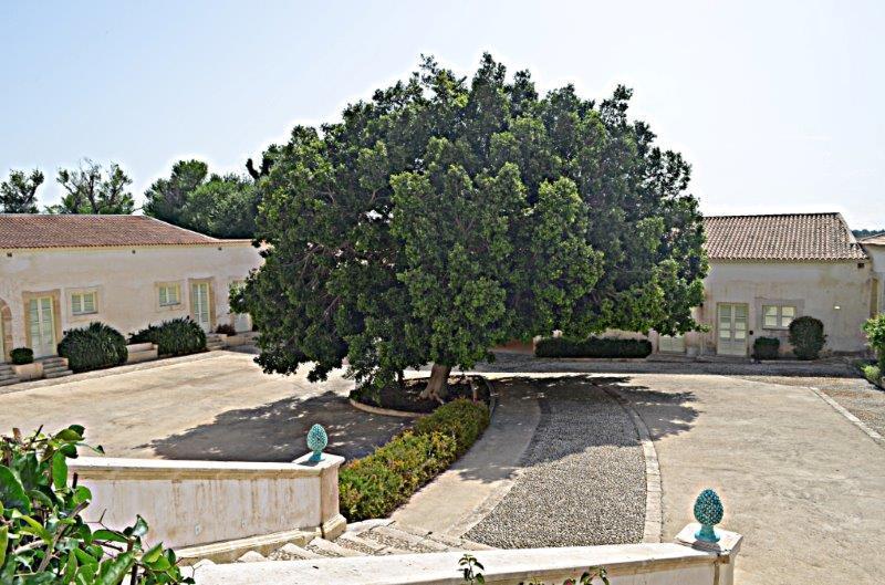 Monasteri Golf Resort, tra verde e storia a Siracusa