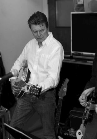 "David Bowie, l'8 gennaio 2016 esce il nuovo album ""Blackstar"""