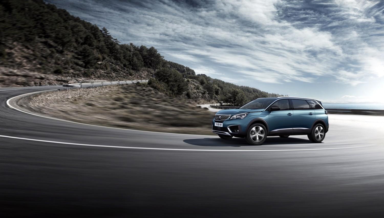 Peugeot 5008: prime fotografie e informazioni ufficiali