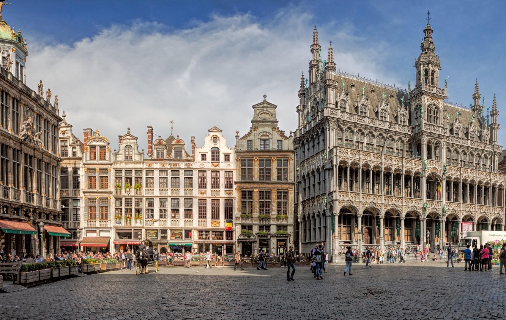 A Bruxelles appuntamento con l antiquariato