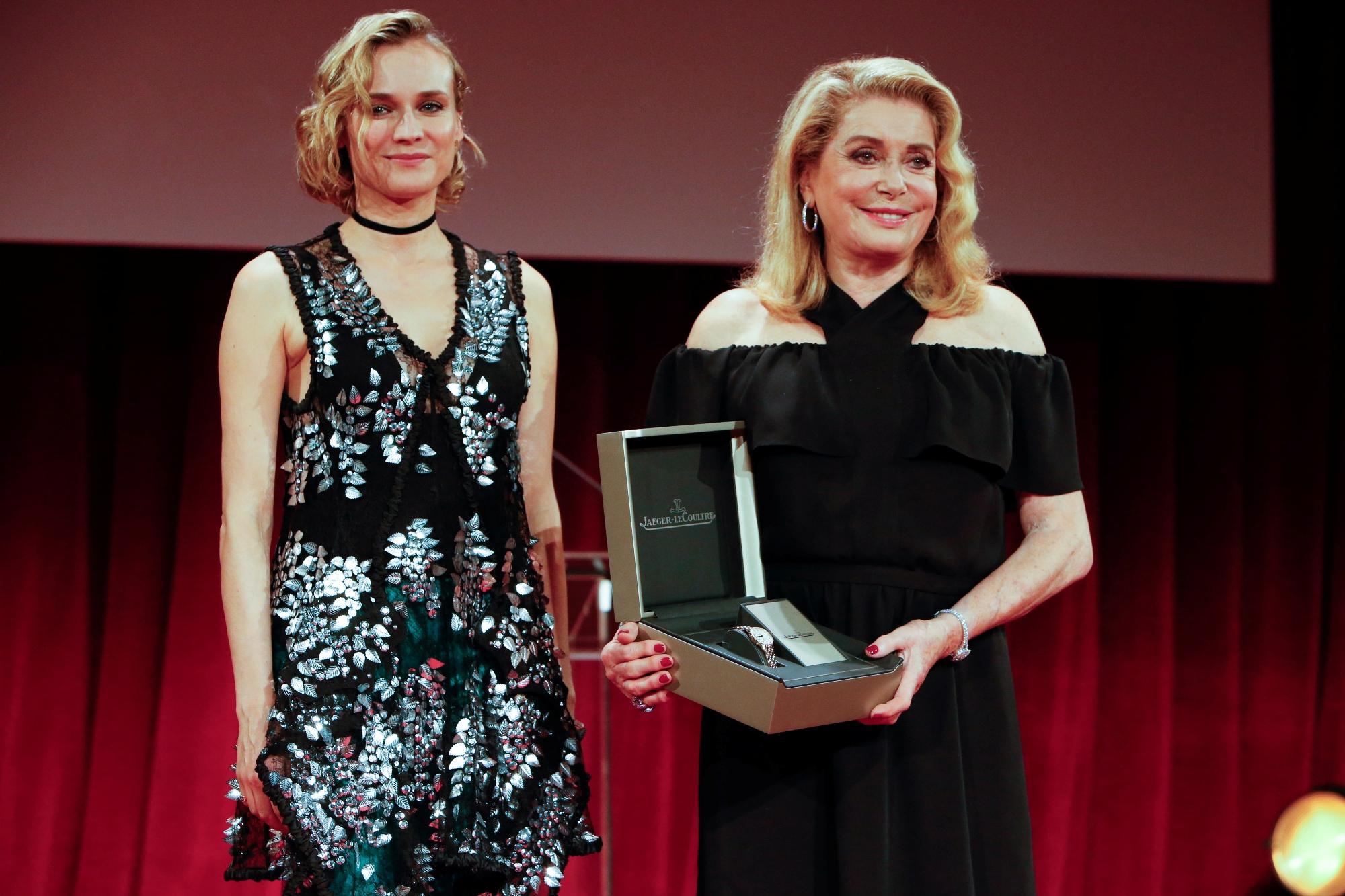 Venezia 74, Diane Kruger premia Catherine Deneuve come icona del cinema