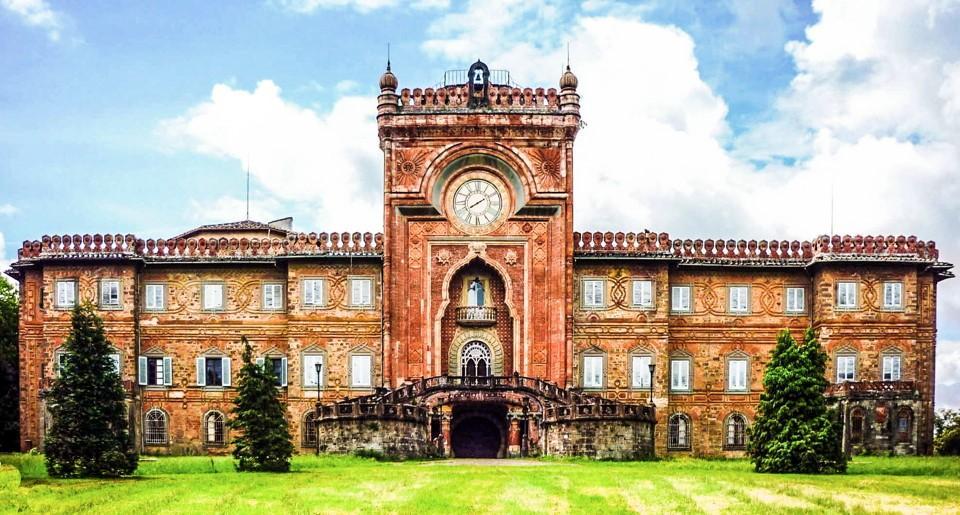 Toscana: un castello da Mille e una notte. Da salvare