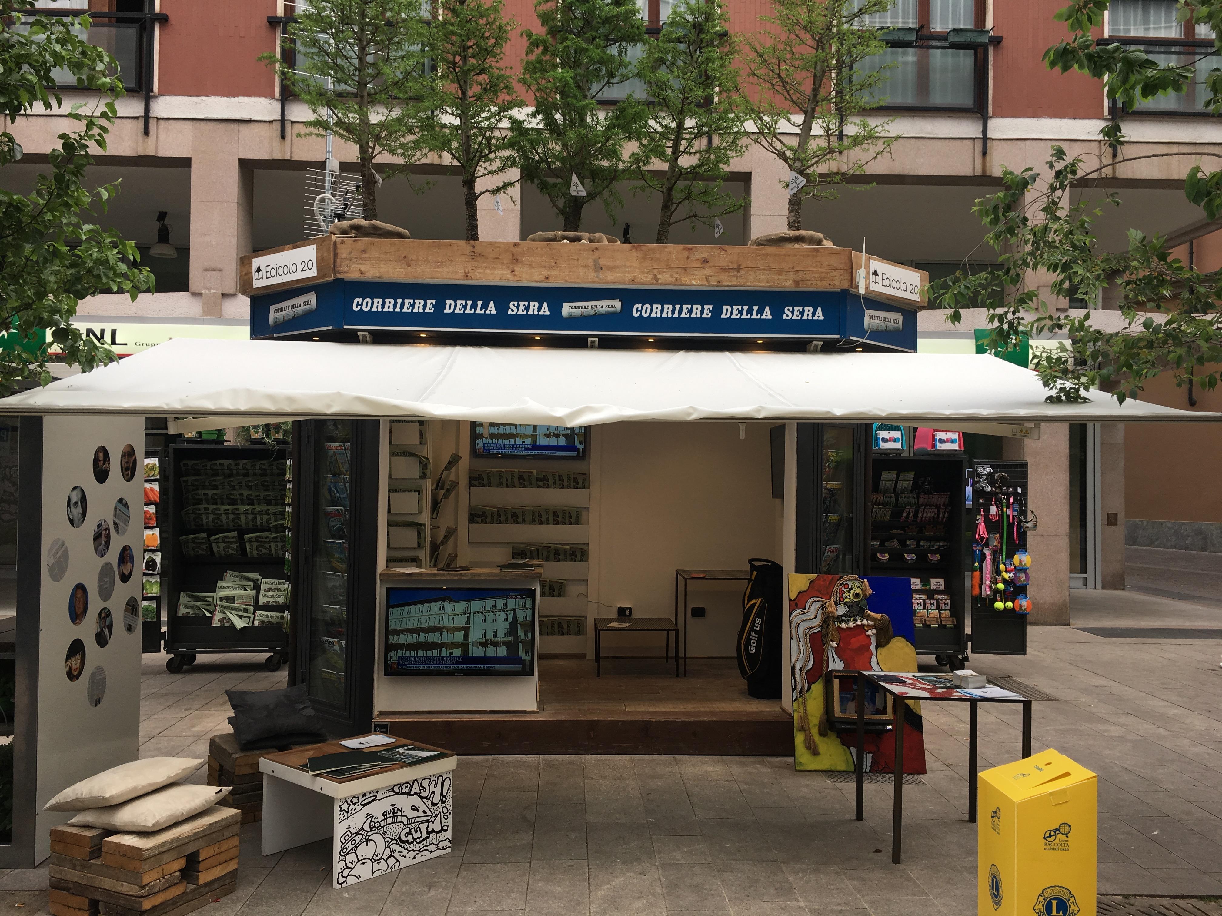 Milano l edicola cambia pelle e diventa 2 0 tgcom24 for Giornali arredamento casa
