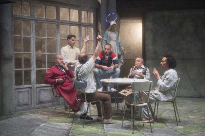 Teatro, Gassmann racconta il suo viaggio nella follia e trasforma l'incubo in sogno