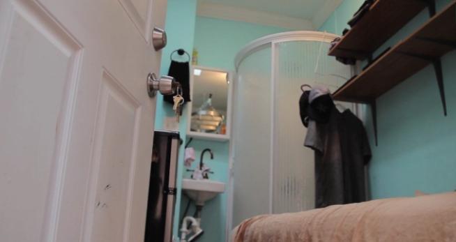 Nove metri quadri a più di mille dollari al mese: vita minimal a New York