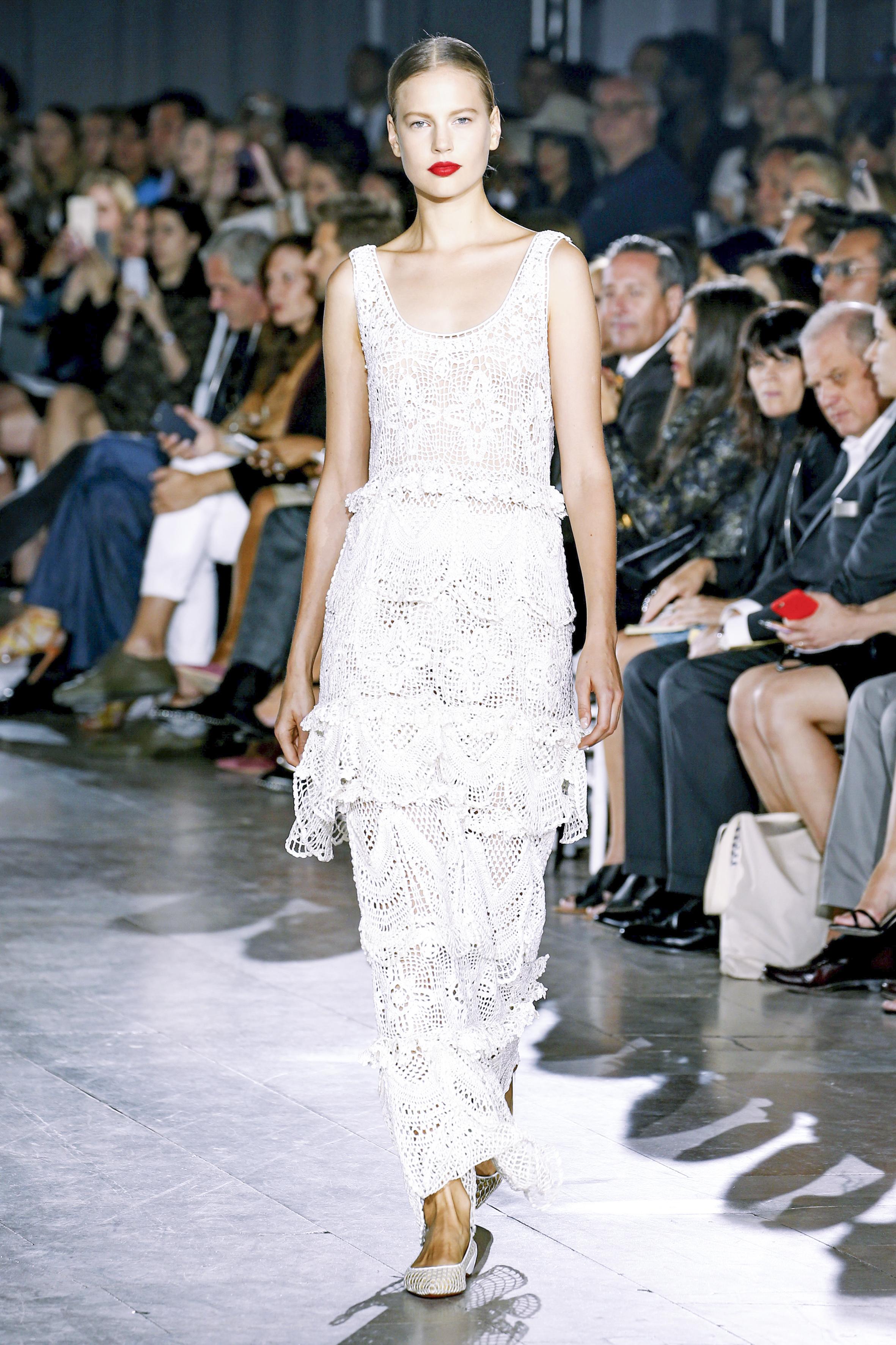Gli abiti bianchi per l'estate 2016
