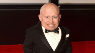 Morto l attore Verne Troyer, il  Mini Me  di Austin Powers