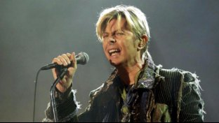 David Bowie: no a tomba-monumento, ceneri top secret