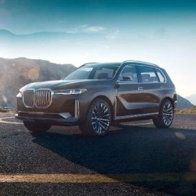 BMW X7 iPerformance eDrive, pensare in grande