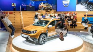 Dacia rinnova Duster e lancia Dokker Pick-Up