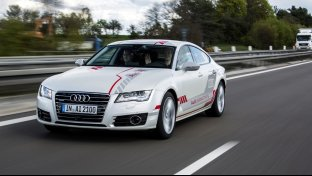 Audi A7 Piloted Driving sulla Autobahn A9