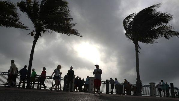 Uragano Dorian, governatore Virginia dichiara lo stato d'emergenza
