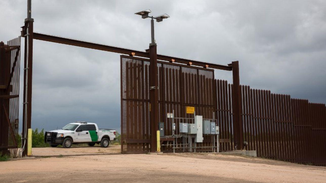 21:35 | Migranti Honduras sfondano cancelli Messico: la meta? gli Usa