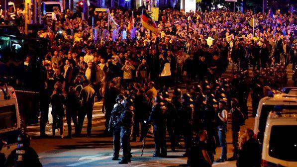 Germania, scontri a manifestazioni a Chemnitz: almeno due feriti