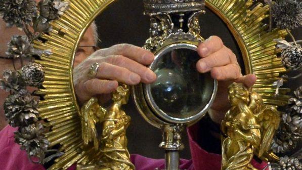 Napoli, si è ripetuto il miracolo di San Gennaro: lungo applauso dei fedeli