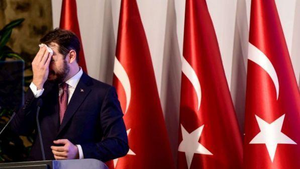 Crolla la lira in Turchia, Erdogan: Manovre contro il nostro Paese, ma noi ...