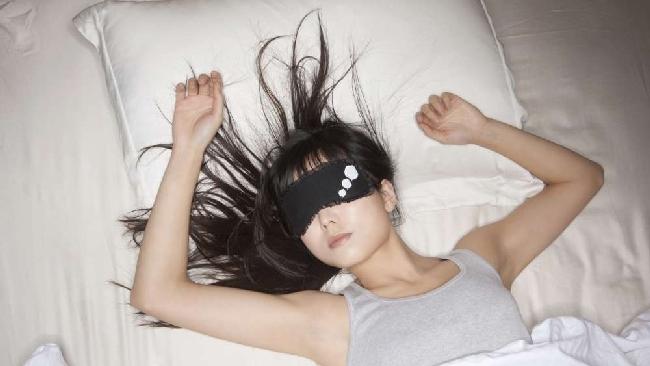 Depressione, fratture e diabete: otto motivi per cui dormire troppo fa male alla salute