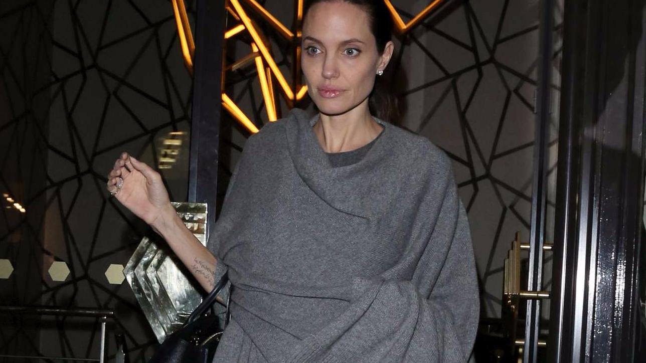 Angelina Jolie sempre più magra, ora pesa 35 kg - Tgcom24